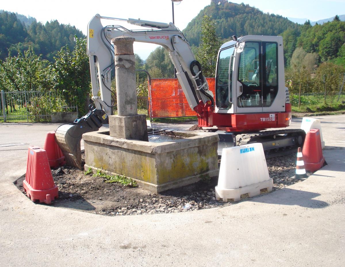 Nuovo acquisto in casa Burlon - escavatore Takeuchi TB153